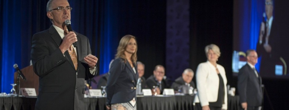 Scott Robertson and Kathy Kingston present at National Auctioneers Association Conference 2015 - Image courtesy of the National Auctioneers Association